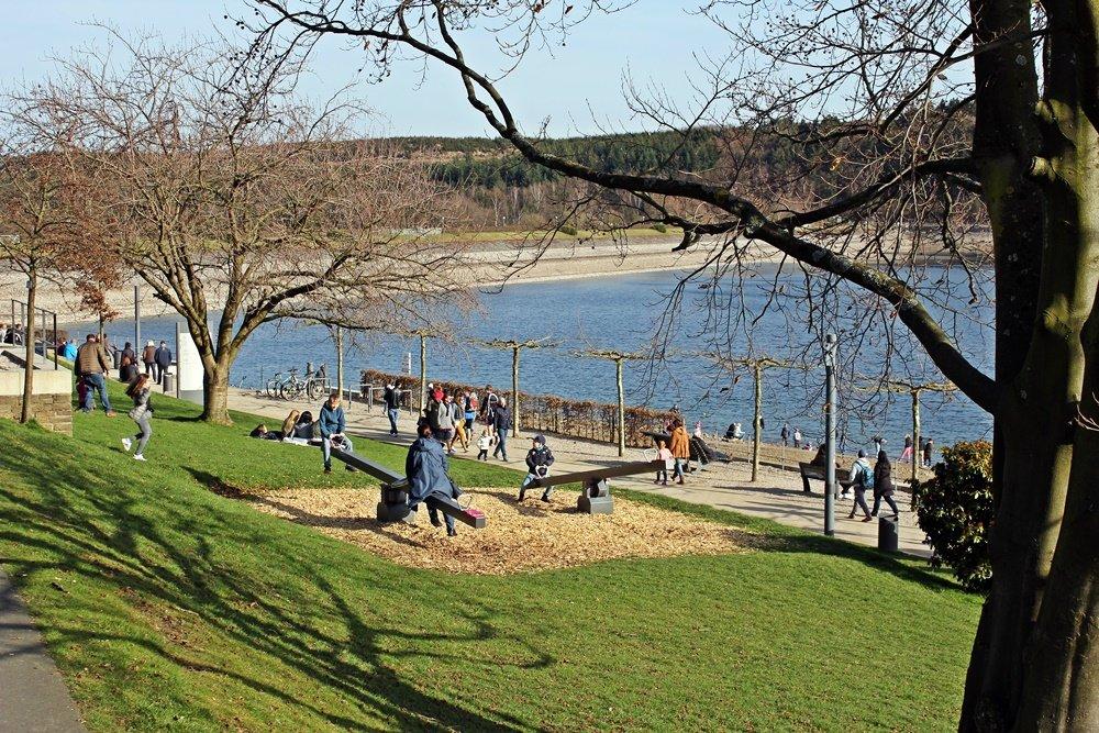 Rund um den Sorpesee, Radtour, Fahrradfahren, Sorpesee, Stemel, Urlaubshappen, Strandpromenade, Langscheid