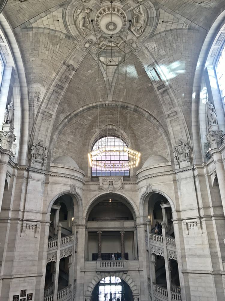 Rathaushalle, imposant, hoch, Neue Rathaus, Hannover, Der rote Faden