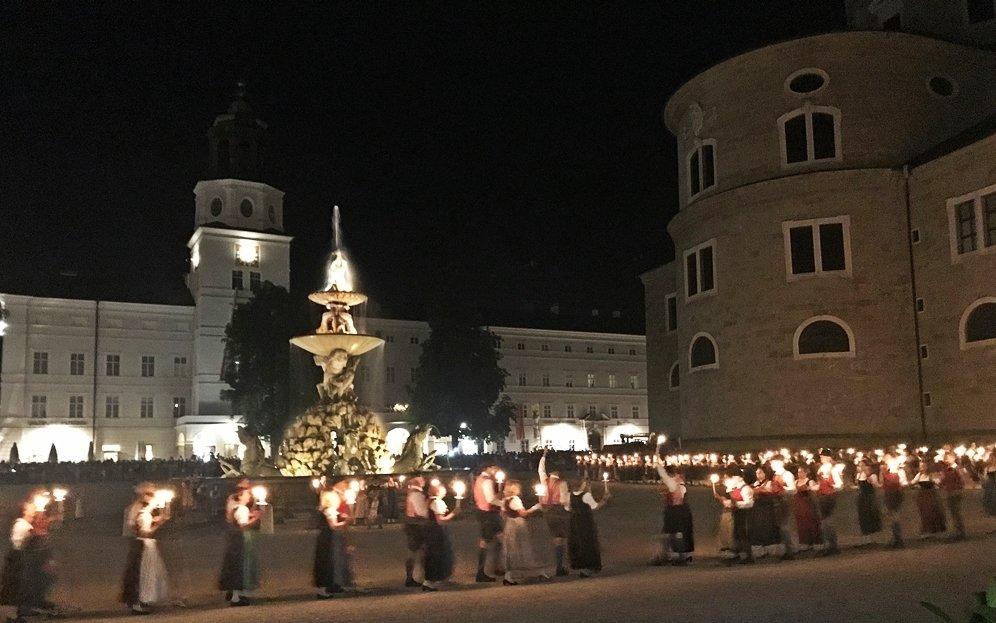 Fackeltanz, Festspiele in Salzburg, Fest zur Festspieleröffnung