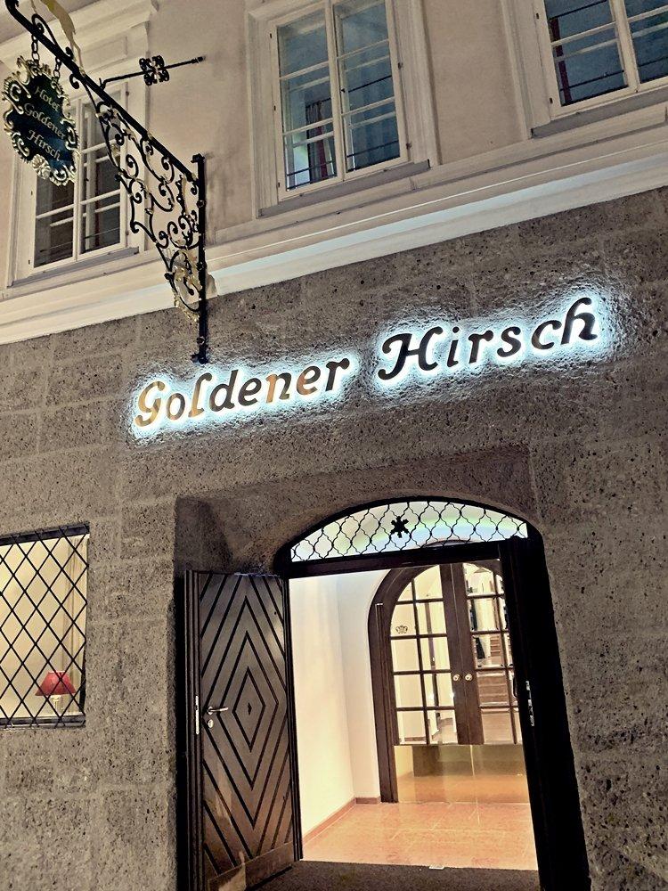 Eingang Goldener Hirsch Salzburg
