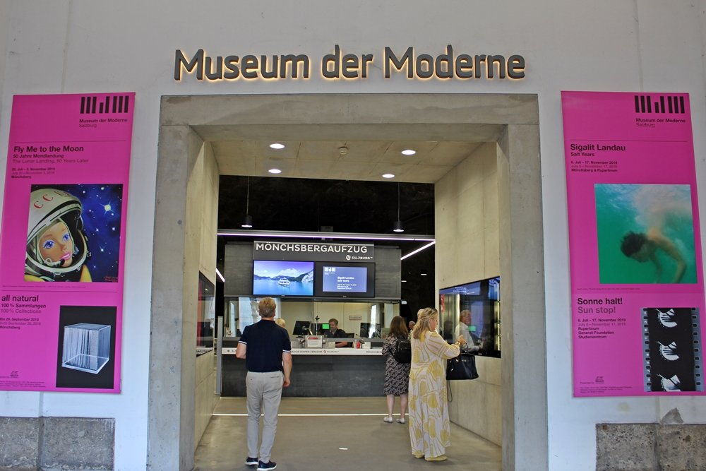 Eingang Museum der Moderne Salzburg