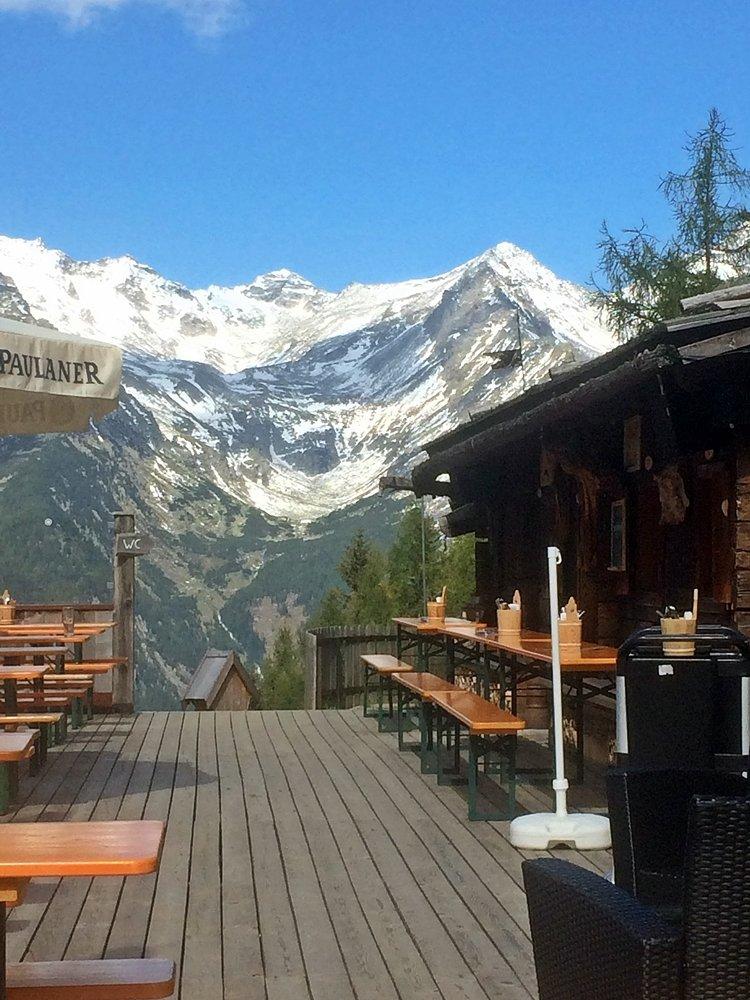 Bauerschaftsalm, urige Almhütte im Tauferer Ahrntal, Blick auf Zillertaler Alpen, Wanderung zum Klaussee