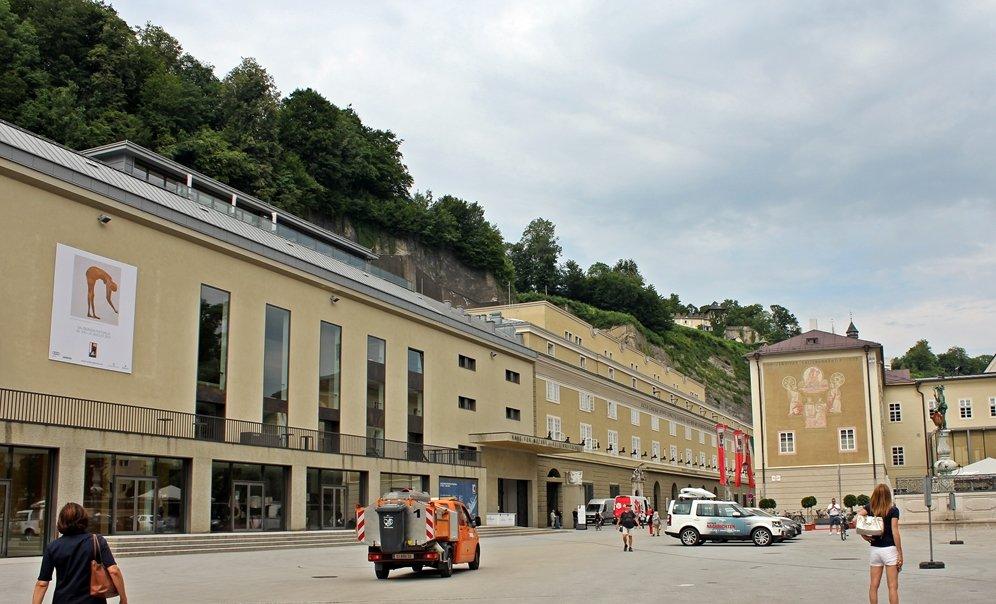 Festspielhäuser unterhalb des Mönchsberges in Salzburg, Festspiele, Außergewöhnliches Wochenende