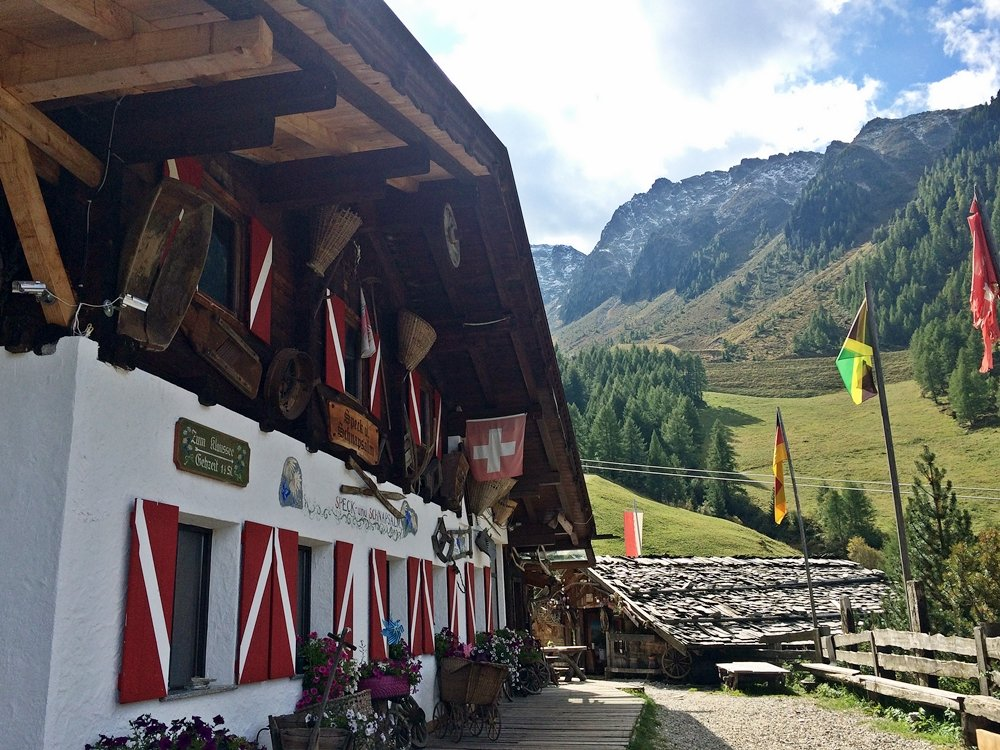 Speck-und Schnapsalm auf dem Weg zum Klaussee, Wanderung, urige Almhütte