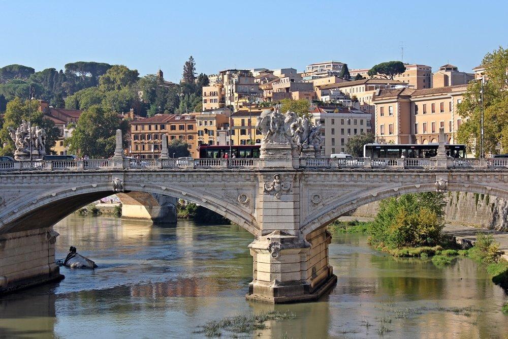 Rom zu Fuß erleben - eine Tagestour mit den schönsten Sehenswürdigkeiten zur Ponte Vittorio Emanuele