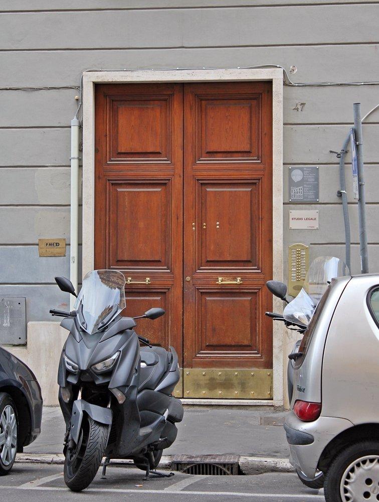Eingangstür Via Otranto Rom