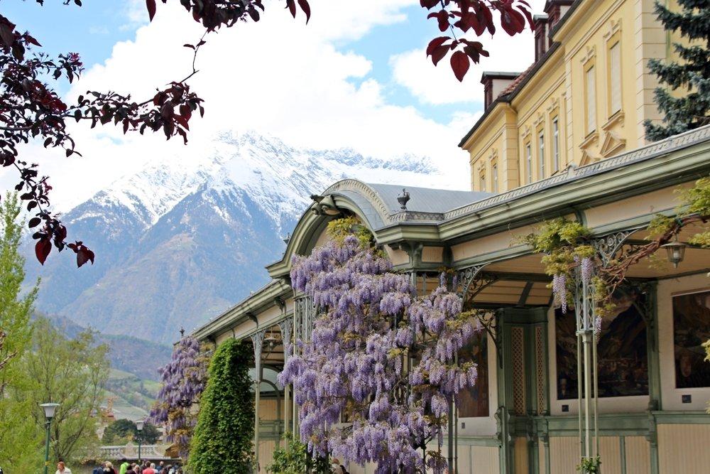 Was sollte man in Südtirol gemacht haben? Einen Tag über Merans Promenaden bummeln